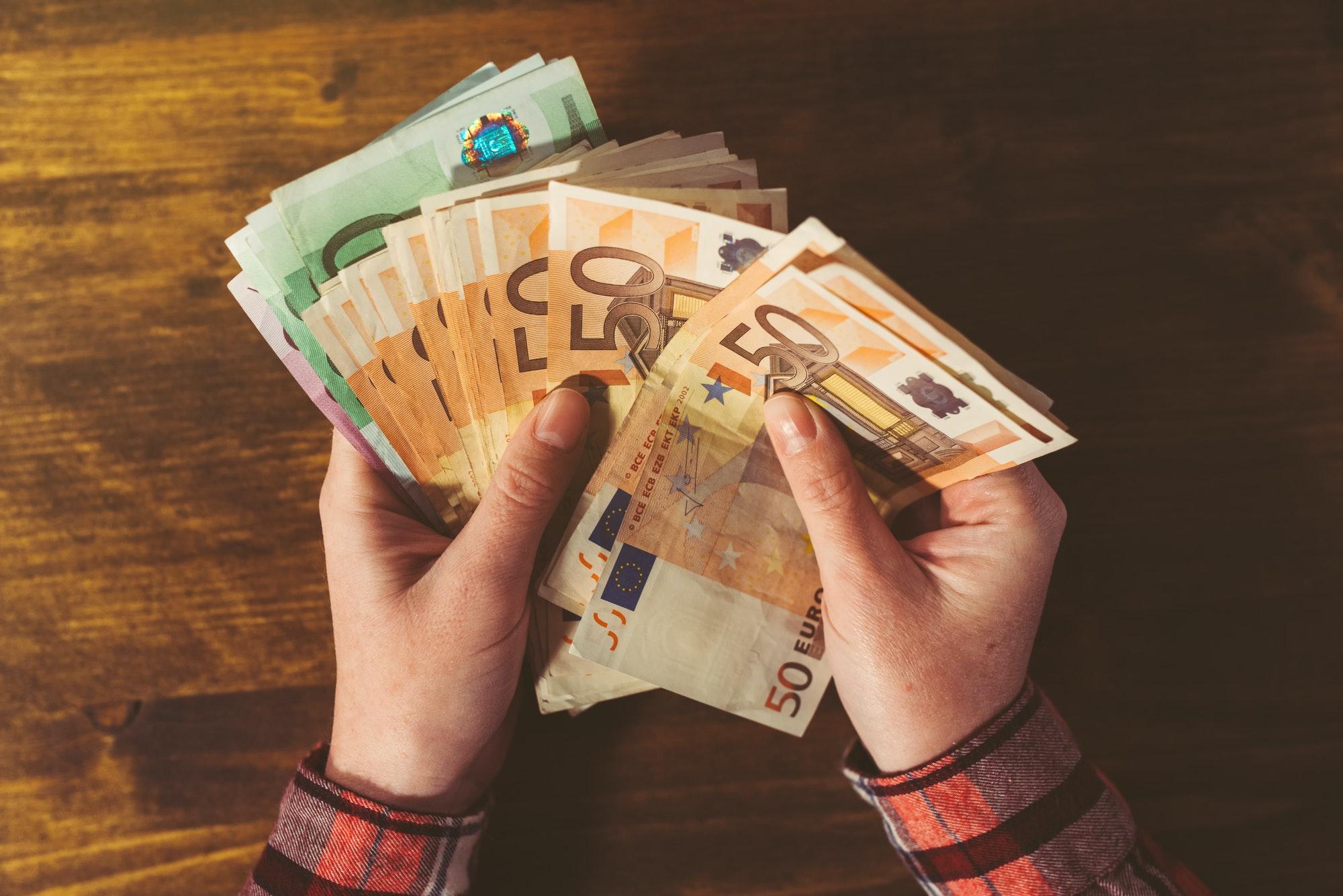 Passives Einkommen generieren im Internet